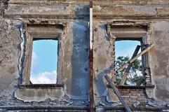 Windows, i att smula väggen arkivbilder