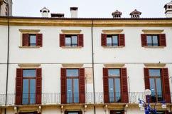 Windows i Verona Fotografering för Bildbyråer