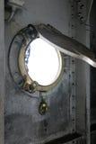 Windows im Schlachtschiff Stockbilder