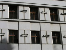 Windows kwadratowy patern na starej fasadzie Fotografia Stock