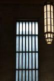 Windows med blått och vitt ljus Royaltyfri Foto