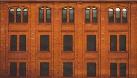 Windows mit Fensterläden Stockfotografie