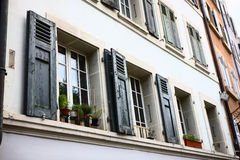 Windows na construção em Berna Imagens de Stock