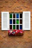 Windows na parede de tijolos Fotografia de Stock