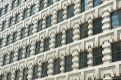 Windows nella costruzione storica Immagini Stock