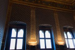 Windows no dei Gigli de Sala em Palazzo Vecchio, Florença, Toscânia, Itália Fotos de Stock