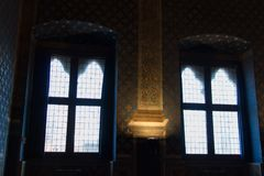 Windows no dei Gigli de Sala em Palazzo Vecchio, Florença, Toscânia, Itália Imagem de Stock