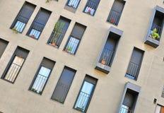 Windows nowożytny dom Obrazy Stock