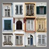 Windows och stänger med fönsterluckor Arkivfoton