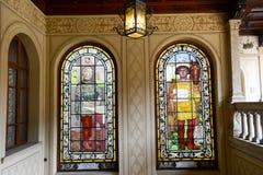 Windows am Palast der Regierung in Bellinzona Stockbilder