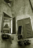 Windows in Revo Italien Lizenzfreie Stockfotos