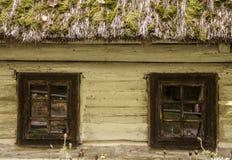 Windows stary drewniany dom Zdjęcie Royalty Free