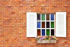 Windows sul muro di mattoni Fotografia Stock Libera da Diritti