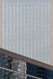 Windows sull'edificio per uffici moderno Immagine Stock Libera da Diritti
