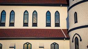 Windows sur une église Photo libre de droits