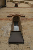 Windows in una costruzione neo-romanica Fotografie Stock Libere da Diritti