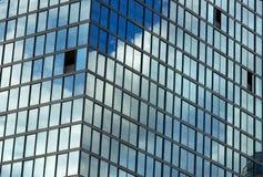 Windows vägg av skyskrapan Royaltyfria Foton
