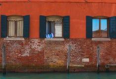 Windows veneciano, Italia Imágenes de archivo libres de regalías