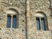 Windows von Sacra di San Michele, italienische mittelalterliche Abtei Stockfoto