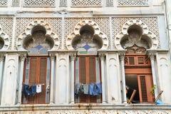 Windows w starym Havana, Kuba zdjęcia stock