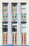 Windows y frisos del edificio de Art Deco Foto de archivo