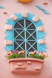 Windows z kolorowym artystyczny projekt i kolorowy kwiat Obrazy Royalty Free