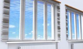 Windows z storami w pokoju Zdjęcia Royalty Free