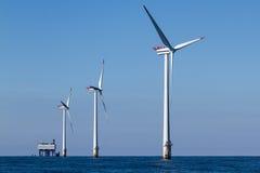 Windpark a pouca distância do mar Imagem de Stock Royalty Free