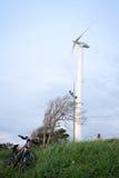 Windrad auf dem Hügel Lizenzfreie Stockbilder