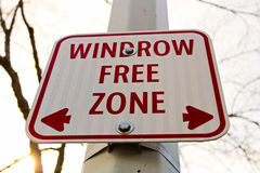 Windrow free zone sign in the city Stock Images