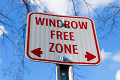 Windrow free zone sign in the city Royalty Free Stock Photos