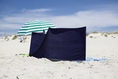 Windscherm op het strand. Royalty-vrije Stock Foto's