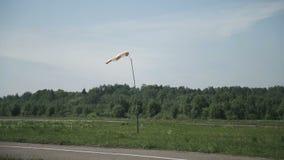 Windsock nello stato tempestoso video d archivio