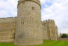 Windsor, Ηνωμένο Βασίλειο - 29 Αυγούστου 2017: Η άποψη μεσαιωνικού Windsor Castle Windsor Castle είναι μια βασιλική κατοικία σε W Στοκ Εικόνες