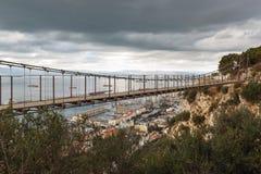 Windsor Bridge - de hangbrug van Gibraltar ` s in de Hogere Rots wordt gevestigd die Het Britse Gebied overzee van Gibraltar royalty-vrije stock foto's