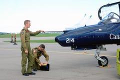 WINDSOR, CANADÁ - DE SEPT. EL 10 DE 2016: Vista del jet militar canadiense a imagenes de archivo
