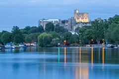 Windsor Castle che trascura il Tamigi, Inghilterra fotografie stock