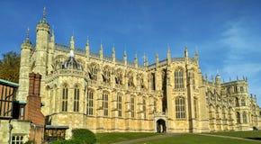Windsor/Groot-Brittannië - November 02 2016: Heilige Georges Chapel in Windsor Castle op een zonnige dag stock foto's