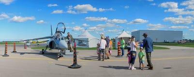 WINDSOR KANADA - SEPT 10, 2016: Panoramautsikt av kanadensaren mil Royaltyfri Fotografi