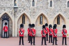 Windsor kasztelu strażnicy zdjęcia royalty free