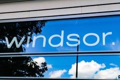 WINDSOR Logo en ventana Fotos de archivo libres de regalías