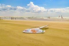 Windsurf as placas na praia Brasil de Jericoacoara da areia Foto de Stock Royalty Free