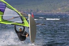 Windsurf el salto imagen de archivo libre de regalías