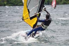 Windsurf en el lago Como fotos de archivo libres de regalías