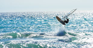 Windsurf le saut Photographie stock libre de droits