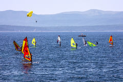 Windsurfe no mar de adriático, Croácia, ilha de Brac Fotos de Stock