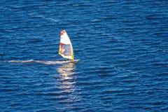 Windsurfer στη θάλασσα Στοκ εικόνα με δικαίωμα ελεύθερης χρήσης