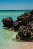 Windsurfer на воде бирюзы, пляж Греция Elafonisi, Крит Стоковые Изображения RF