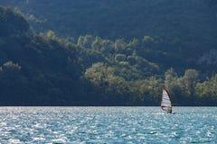 Windsurfer на озере Стоковое фото RF