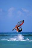Windsurfer de salto imagens de stock